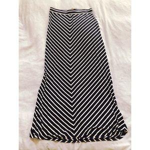 LOFT Navy/white skirt